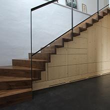 Treppenschrank B