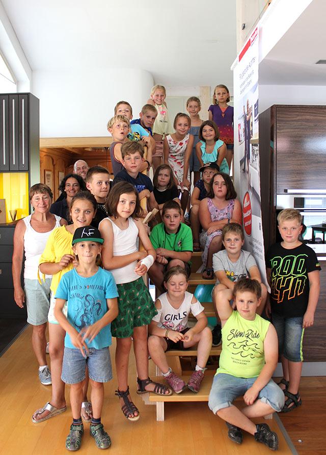 Besuch der Klasse 3 · Schreinerei Bührer, Freiamt · Bild Nr.3