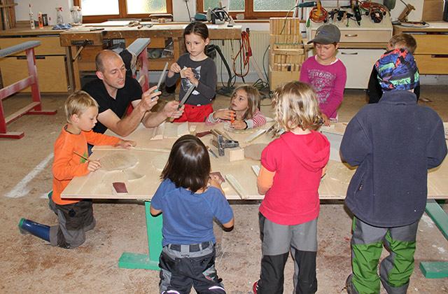 Besuch vom Waldkindergarten Freiamt · Schreinerei Bührer, Freiamt · Bild Nr.1