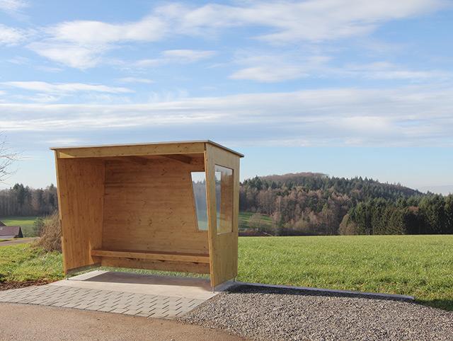 Neues Buswartehäusle · Schreinerei Bührer, Freiamt · Bild Nr.1