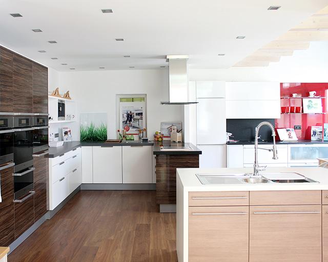 Unsere Ausstellungs-Küchen · Schreinerei Bührer, Freiamt · Bild Nr.2