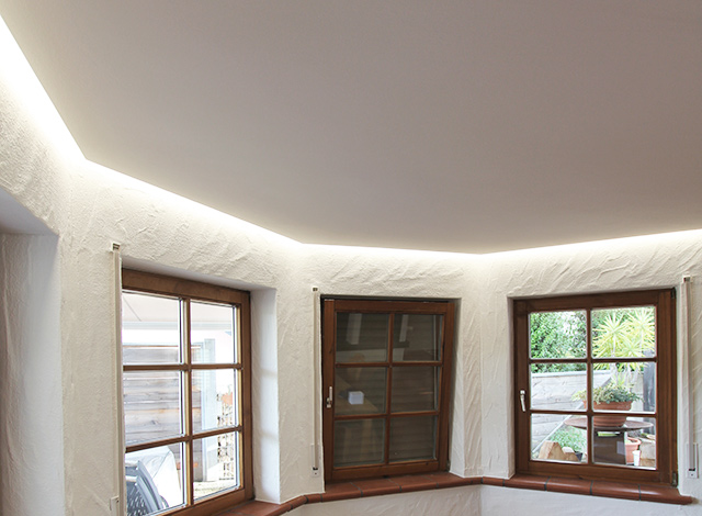 Indirekte Beleuchtung mit LED · Schreinerei Bührer, Freiamt · Bild Nr.3