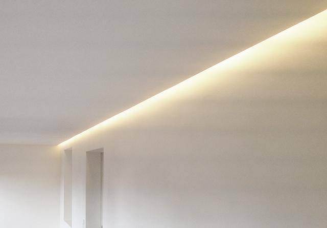 Indirekte Beleuchtung · Schreinerei Bührer, Freiamt · Bild Nr.1