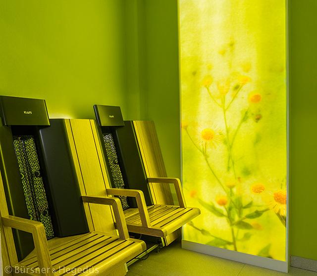 """""""Beleuchtungskasten"""" bestehend aus Einbaukorpus, bedrucktem Glas und LED-Hinterleuchtung"""