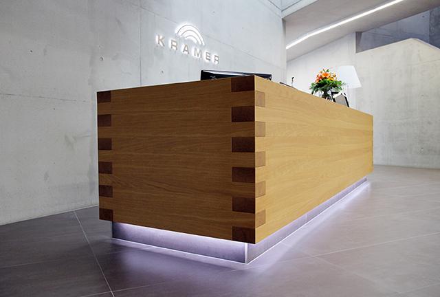 Empfangstheke Firma Kramer GmbH · Schreinerei Bührer, Freiamt · Bild Nr.2