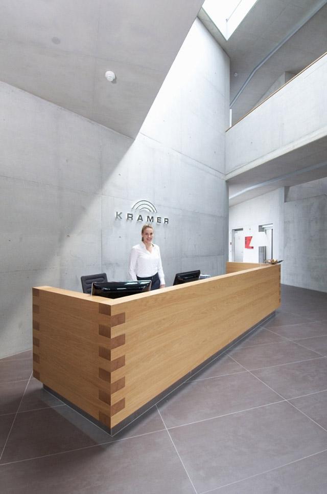 Empfangstheke Firma Kramer GmbH · Schreinerei Bührer, Freiamt · Bild Nr.3
