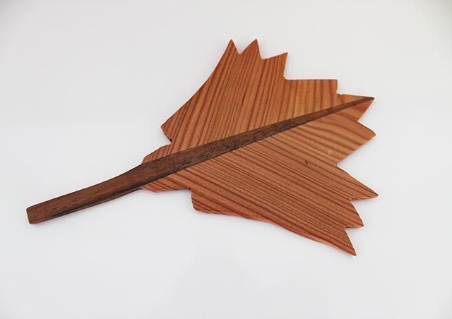 Blätter aus Holz · Schreinerei Bührer, Freiamt · Bild Nr.4
