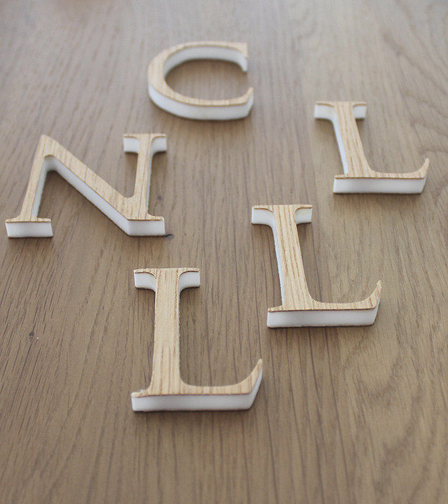 Buchstaben aus Holz · Schreinerei Bührer, Freiamt · Bild Nr.1