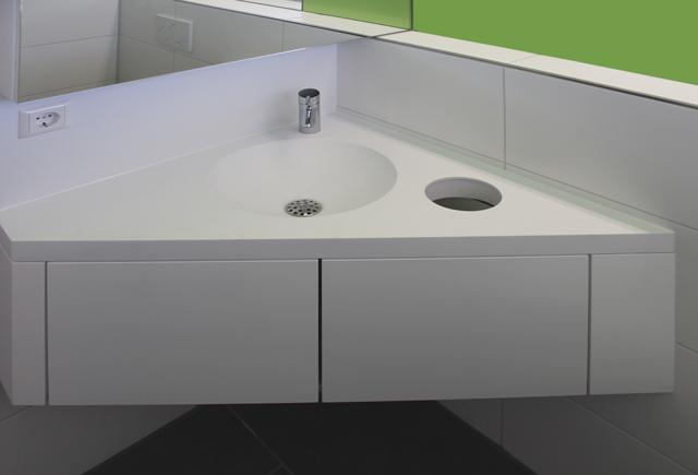 Neues Patienten-WC in Arztpraxis · Schreinerei Bührer, Freiamt · Bild Nr.2