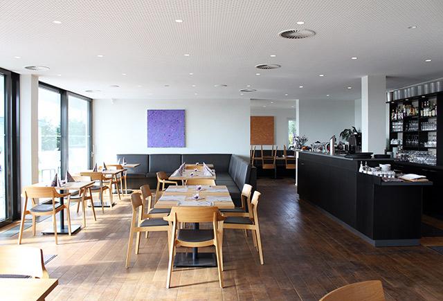 Restaurant Mistral am Flugplatz Freiburg · Schreinerei Bührer, Freiamt · Bild Nr.4