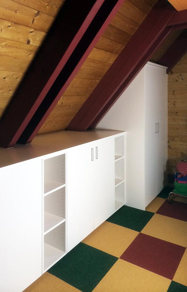 Stauraumschrank unter Dachschräge · Schreinerei Bührer, Freiamt · Bild Nr.2