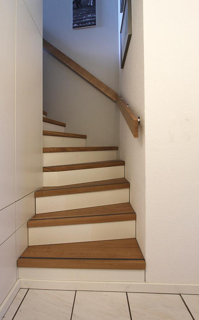 Einbaumöbel und Treppenstufenerneuerung · Schreinerei Bührer, Freiamt · Bild Nr.2